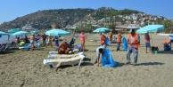 Büyükşehir Alanya#039;da plajları temizledi