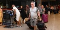 Thomas Cook misafiri 4 bin 920 turist Antalya#039;dan ülkelerine gönderildi