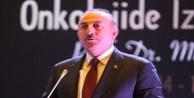 Çavuşoğlu, bu kez kürsüye annesini kanser sebebiyle kaybeden bir evlât olarak çıktı