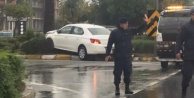 Alanya#039;da yağmur ve dikatsizlikle gelen kaza
