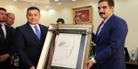 Sinan Ateş#039;den başkan Yücel#039;e ziyaret