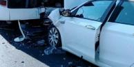 Alanya#039;da otobüsle otomobil çarpıştı: 1#039;i çocuk 2 yaralı var