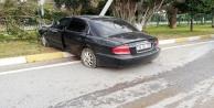 Alanya#039;da sürücü refüjdeki direğe çarptı: 1 yaralı