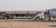 Şiddetli fırtına Alanya GZP#039;de uçuşları iptal ettirdi