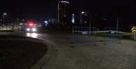 Dünyaca ünlü Konyaaltı Sahili Covid-19#039;a karşı çift yönlü araç trafiğine kapatıldı