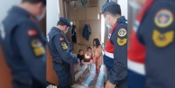 Alanya#039;da evden çıkamayan minik kıza jandarmadan doğum günü
