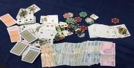 Gazipaşa#039;daki Villaya baskında kumar oynayan 13 kişiye 57 bin 200 TL para cezası