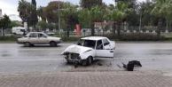 Otomobil hurdaya döndü: 2 yaralı var