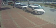 Polisi görünce aracını bırakıp kaçtı