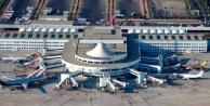 Antalya#039;ya ilk uçak iniyor