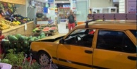 Alanya#039;da araç markete daldı, muhtar ölümden döndü