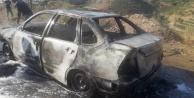 Alanya#039;da hareket halinde alev alan otomobil yandı