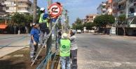 Alanya#039;da trafik levhaları değişiyor