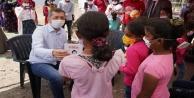 Bakan Selçuktan tarladaki çocuklara sürpriz ziyaret