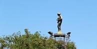 Hava şartlarına yenik düşen Altın Portakal heykelleri yenilenecek