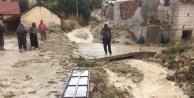 Antalya#039;nın o ilçesinde aşırı yağış su baskınlarına neden oldu