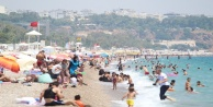 Antalya#039;nın sezonu kaç turistle kapatacağını açıkladı