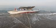 Denizde mahsur kalan balıkçıyı meslektaşları kurtardı