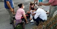 Yaşlı kadını yerde görenler yardımına koştu