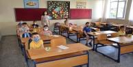 Alanyada 75 okuldaki 7275 öğrenciye meyve ikramı yapıldı