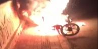 Antalya#039;da motosiklet alev alev yandı