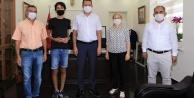 Türkiye 9#039;uncusu Alanyalı Ahmet#039;e kaymakamdan hediye