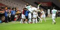 Alanyaspor, Galatasaray#039;ı yenip liderliğe kuruldu