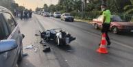 Alanya#039;da duran otomobile arkadan çarpan motosiklet sürücüsü ağır yaralandı