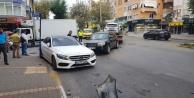 Alanya#039;da kontrolden çıkan otomobil ortalığı savaş alanına çevirdi