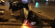 Alanyada demir levhaya çarpan sürücü ağır yaralandı