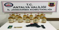 Antalyada 11 şişe kaçak viski ele geçirildi