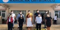 CHP Alanya Gençlik öğrencilerin yüzünü güldürdü