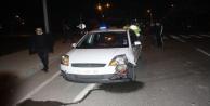 Ambulansa yol vermek isterken karıştığı kazada ilk müdahaleyi yol verdiği sağlık ekibi yaptı