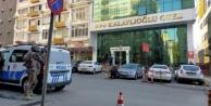 Kahramanmaraş#039;ta otelde silahlı saldırı! 1 polis şehit