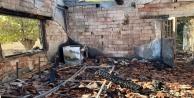 Sobadan çıkan yangın, yaşlı çiftin evini küle çevirdi