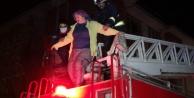 4 katlı apartmanda yangın paniği