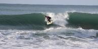 Alanya#039;da sörfçülerin deniz keyfi