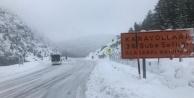 Alanya-Konya karayolunda kar kalınlığı 30 santime ulaştı