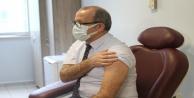 Antalyada korona virüs aşısının ilk dozu İl Sağlık Müdürüne yapıldı