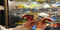 Çocukken oynadığı oyuncak arabalarını buldu, 550 araçlık koleksiyona ulaştı