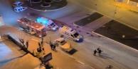 Domates yüklü kamyonet otobüsle çarpıştı: 1 ölü,2 yaralı