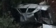 Otomobil şarampole yuvarlandı: 1#039;i ağır 3 yaralı var