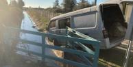 Alanya#039;da işçileri taşıyan minibüs kanala uçtu