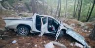 Alanya#039;da kamyonet uçurumdan yuvarlandı: 5 yaralı var