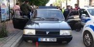 #039;Dur#039; ihtarına uymayıp polise ateş eden sürücü, emniyeti alarma geçirdi
