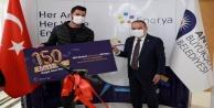 Başkan Böcek#039;ten 150 bininci doğal gaz abonesine ödül