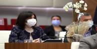 Başkan Böcekten, kadın meclis üyelerine orkide