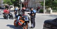 Motorsiklet sürücülerine sıkı takip