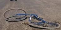 Tünelde bisiklet sürücüsünün geçirdiği kaza kameralara yansıdı