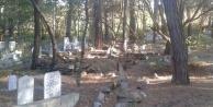 Mezarlıklara bakım çağrısı